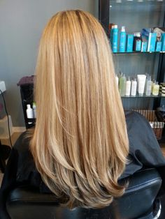 8/3 light blonde with gold mostly at base.