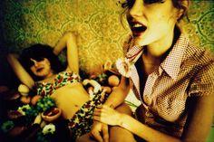 Lomográfo: maxpinckers -  Cámara: Lomo LC-A+ -  Película: Kodak Elitechrome EBX (35mm, 100 iso) -  Ubicación: Gent