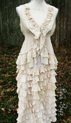 What a beautiful dress for a 2nd wedding...or a 1st, or a 3rd, or a 4th....anytime!!  Love this!