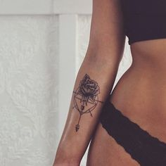 Looks beautiful - even with the rose.