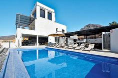 Sonrisa Villa, Tenerife #Canarias #holidays @ www.jamesvillas.com