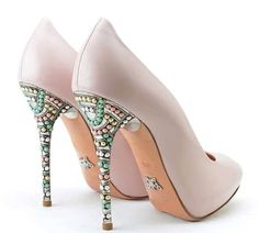 #arunaseth #shoes #design #designer #london #fashion #style  #bridal #highheels #designershoes ➡️ www.arunaseth.com