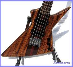 jackson rhoads bass bass guitars pinterest bass guitars and bass guitars. Black Bedroom Furniture Sets. Home Design Ideas