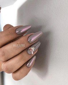 and Beautiful Nail Art Designs Glam Nails, Red Nails, Cute Nails, Hair And Nails, Gradient Nails, Nail Art Printer, Almond Nail Art, Studded Nails, Swarovski Nails
