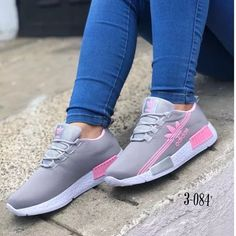 I love these nike air athletic sneakers ! Cute Sneakers, Shoes Sneakers, Winter Sneakers, Gucci Sneakers, Comfy Shoes, Casual Shoes, Shoes Style, Tenis Casual, Adidas Shoes Women