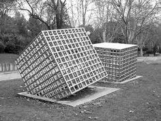 3ème, un cube jaillit de ma feuille. – Arts Plastiques
