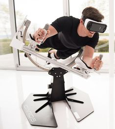 This VR Exercise Equipment Lets You Fly like an Eagle As soon as I saw this, the first thing to come to mind was Lawnmower Man! Full Body Workout Machine, Workout Machines, Fitness Devices, Virtual Reality Games, Fixed Bike, Cool Gear, No Equipment Workout, Fitness Tips, Shopping