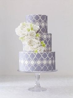 Lilac and white quatrefoil wedding cake Purple Wedding Cakes, Wedding Cakes With Cupcakes, Wedding Cakes With Flowers, Cupcake Cakes, Cake Flowers, Flower Cakes, Gold Wedding, Purple Cakes, Fondant Flowers
