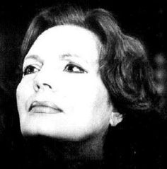 I just adore Amália Rodrigues, the greatest Fado singer ever, proud and beautiful forever.