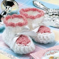 Ravelry: Free Crochet New Shoes: Newborn Booties pattern by Ann Parnell