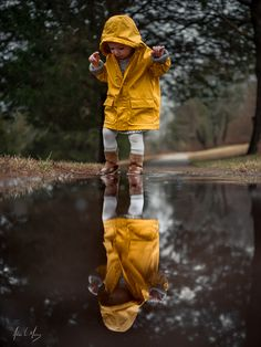 Seeing double by Adrian C. Murray on Little Girl Photography, Rain Photography, Toddler Photography, Foto Website, Rainy Day Photos, Foto Blog, Shooting Photo, Beautiful Children, Belle Photo