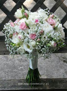 Bukiet ślubny, gipsówka, róże