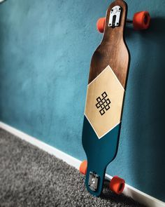 New custom longboard 🎉 made by Skateboard Deck Art, Longboard Decks, Longboard Design, Skateboard Parts, Skateboard Design, Art Football, Long Skateboards, Skate Art, Art Boards