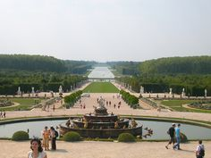 Google Image Result for http://www.tourstravelpackages.com/wp-content/uploads/2011/06/Chateau-de-Versailles.jpg