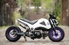 Purple rims.. looks good against the white body Honda Grom 2014