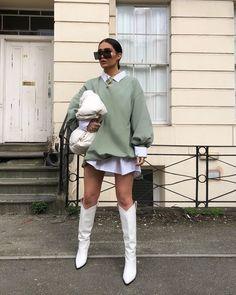 February 29 2020 at fashion-inspo Winter Fashion Outfits, Look Fashion, Autumn Winter Fashion, Fall Outfits, Fashion Blogger Style, Green Fashion, Fashion Clothes, Fashion Women, Spring Fashion