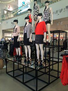 mannequins with all same black bob wig with bangs