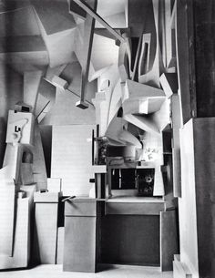 Dada and dadaism : Kurt Schwitters Merzbau installation