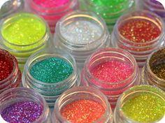 "Edible glitter called ""disco dust""...I think I need to make something glam!"