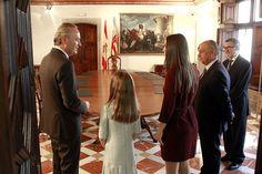 Con las Falleras Mayores de Valencia, Estefanía López y María Donderis, durante su visita institucional