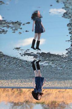 Levitating Self-Portraits by Natsumi Hayashi - 17 - Pelfind