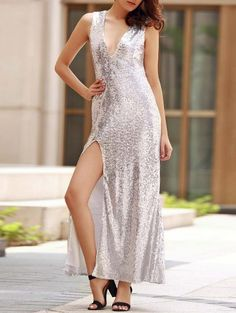 SHARE & Get it FREE | Backless Sequins Plunging Neck Sleeveless Maxi DressFor Fashion Lovers only:80,000+ Items • New Arrivals Daily Join Zaful: Get YOUR $50 NOW!