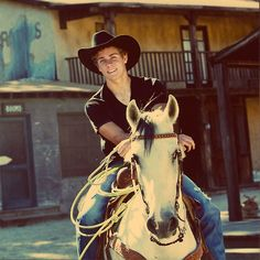 HOT cowboy;) dayumm you fine. Can you please teach me how to ride... again? haha