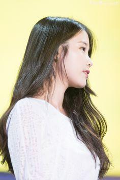 Iu Twitter, Black Ponytail Hairstyles, Korean Shows, Dream High, Pictures Images, Black Hair, Dancer, Idol, Long Hair Styles
