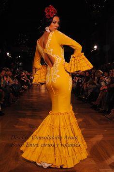 Tendencias trajes de flamenca 2017 | Estilo y Belleza Mermaid, Disney Princess, Formal Dresses, Seville, Sassy, Prints, Fashion, 1930s, Photos
