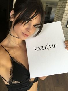 Kendall Jenner in her really nice black lace bralette | callistasetiono (for more inspirations! Hair, makeup/beauty, celebrities, airport styles, accessories, sneakers/shoes, bathing suits/bikini, inspirational quotes, Kendall Jenner, Gigi Hadid, Hailey Baldwin, models off duty, casual, street styles and more!)