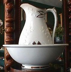 Shaw Tea Leaf Ironstone Pitcher & Wash Bowl Set