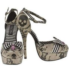 IRON FIST Womens Ivory 'Lacy Days' Platform Shoes