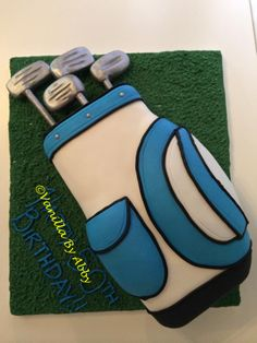 Golf bag cake. Complete with 100% edible golf clubs.
