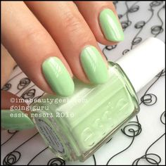 Delhi-ted for Resort Season Aycrlic Nails, Cute Nails, Pretty Nails, Hair And Nails, Manicures, Glitter Nails, Green Nail Polish, Essie Nail Polish, Nail Polishes