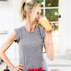 An Immune Boosting Smoothie Recipe By Catherine McCord Healthy Sweet Treats, Healthy Recipes, Dan Barber, Organic Food Delivery, Fresh Turmeric, Organic Recipes, Ethnic Recipes, Meal Delivery Service, Vanilla Yogurt