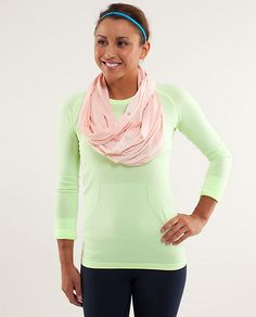 twist and shout scarf | women's accessories | lululemon athletica