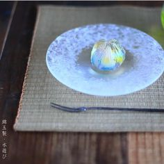 Today I made Japanese traditional sweets kingyoku which express 「playing with water」 Japanese Wagashi, Japanese Cake, Japanese Sweets, Japanese Food, Dessert Bread, Dessert Table, Sweet Desserts, Dessert Recipes, Edible Art