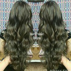 ハイライト×アッシュグレー❤  ハイライトは細めにタップリ😍  グレーは濃いめに 入れさせてもらいました🙌  ありがとうございます✨  #ハイライト #ハイライトonカラー #ash #highlights  #ダブルカラー #ブリーチonカラー  #パールグレー #アッシュグレー #グレージュ #haircolor  #grayge #hairsalon  #Welina #hitomiyanagida #myworks #お客様photo