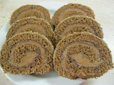 Izidor roláda. - recept Cake Roll Recipes, Dessert Recipes, Czech Desserts, Noel Christmas, Rolls Recipe, Nutella, Sweet Recipes, Sweet Tooth, Sweet Treats