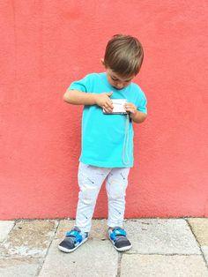 Bambini che amano scoprire il mondo - http://www.chizzocute.it/piedi-bambino/