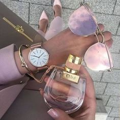fashion, sunglasses, and perfume image Boujee Lifestyle, Luxury Lifestyle Fashion, Luxury Fashion, Mode Rose, Accessoires Iphone, Luxury Dress, Nordstrom, Style Vintage, Mode Style