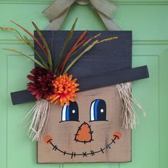 Wooden Scarecrow Door Hanger by AliciaHarrisCanvases on Etsy Fall Wood Crafts, Halloween Arts And Crafts, Christmas Wood Crafts, Fall Halloween, Childrens Christmas Crafts, Animal Crafts For Kids, Fall Crafts For Kids, Art Plastique Halloween, Scarecrow Face