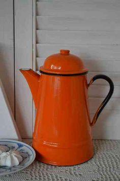 Oranje koffiepot (orange coffee pot)