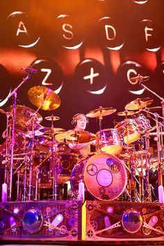 Official News and Information about the Legendary Rock Band Rush Greatest Rock Bands, Best Rock, Great Bands, Cool Bands, Rush Music, Rush Concert, A Farewell To Kings, Pop Rock Music, Neil Peart