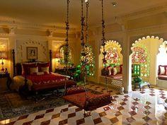 Picture of Taj Lake Palace Udaipur, Udaipur Palace Interior, Indian Home Interior, Indian Interiors, Mansion Interior, Luxury Homes Interior, Home Interior Design, Jodhpur, Udaipur, Indian Bedroom Decor