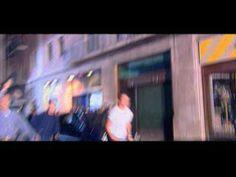 """""""Cacho a cacho"""" de Estopa. Este videoclip consiguió el mejor videoclip del años en la V edició de Los Premios de la Música"""
