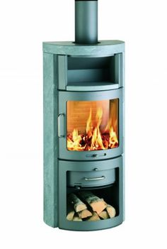 Love this, super tiny wood stove. This would be perfect for heating a tiny house. Tiny House Cabin, Tiny House Living, Contemporary Wood Burning Stoves, Tiny House Appliances, Scandinavia Design, Wood Burner, Tiny Spaces, Small Space Living, Little Houses