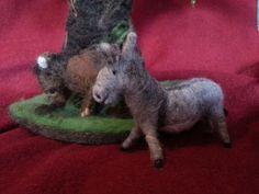 Deko und Accessoires für Weihnachten: Krippenfiguren Ochse und Esel Märchenwolle Waldorf made by Die Werkelstatt via DaWanda.com