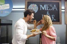 Mesa & Mar para comer Ceviches y Mariscos congelados y frescos, en Santiago de Chile Couples, Couple Photos, Frozen Seafood, Santiago, Restaurants, Couple Shots, Romantic Couples, Couple, Couple Pics