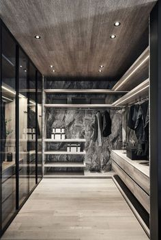14 Walk In Closet Designs For Luxury Homes. Fantastic luxury closets for your Master Bedroom. A selection of 14 walk in closet designs that are both elegant and charming. Walk In Closet Design, Bedroom Closet Design, Closet Designs, Bedroom Closets, Dressing Room Mirror, Dressing Room Design, Mirror Room, Luxury Home Decor, Luxury Interior Design
